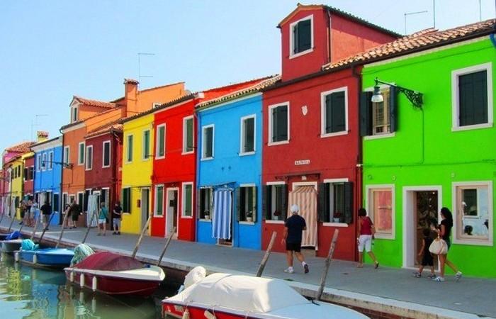 Венеция - 117 небольших островов.