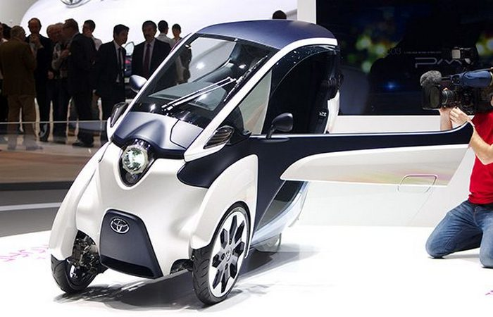 Футуристический концепт «Toyota iRoad».