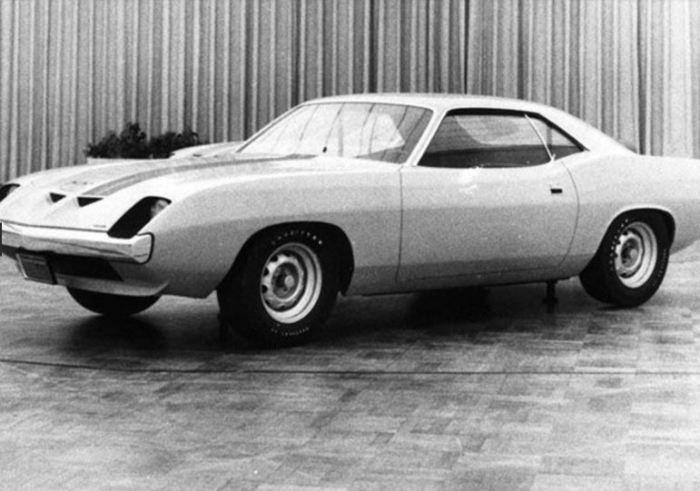 Вот, как дизайнеры издевались над Plymouth Barracuda.