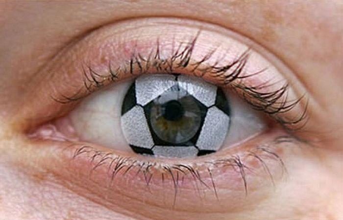 Линзы «Футбольный мяч».