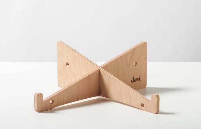 Повышает продуктивность: подставка для ноутбука из дерева.