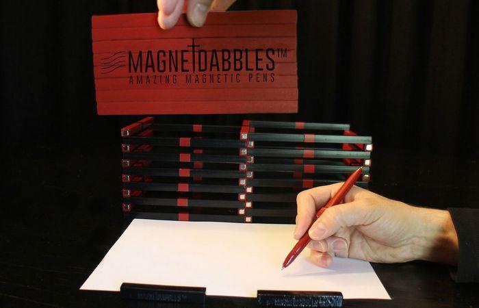Повышает продуктивность: магнитные гелевые ручки.