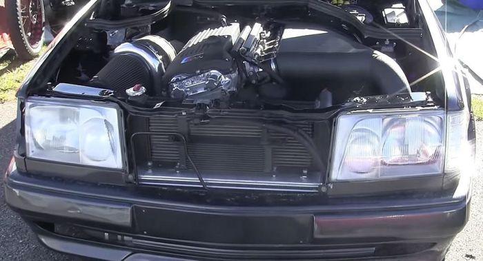 Шокирующая комбинация  Mercedes Е-класса с мотором BMW M3.