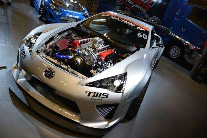 Отличное решение Lexus LFA с мотором гоночной Toyota Camr.