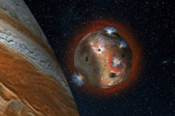 Аномальное небесное тело: спутник Юпитера Ио.