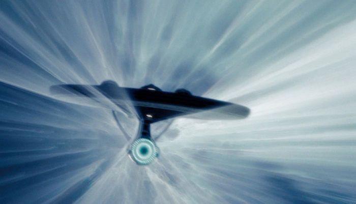В космосе можно разгоняться бесконечно.