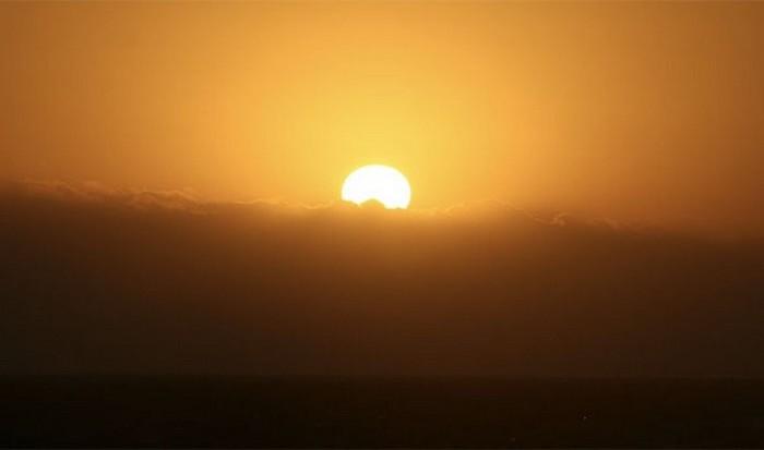 Солнцезащитный крем.