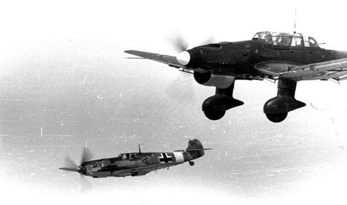 Отказался сбить поврежденный бомбардировщик союзников.