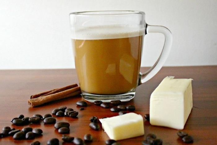 Кофе с подсолнечным и сливочным маслом.