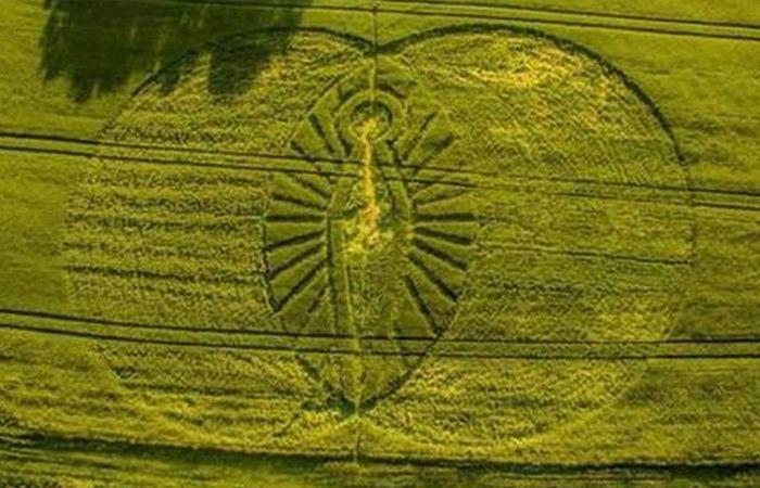 Рисунок на поле «Иисус Христос».