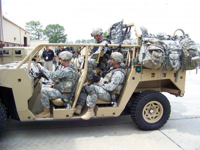 Экипаж машины боевой.