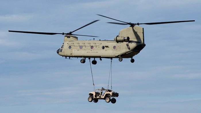 Транспортировка DAGOR на вертолёте.