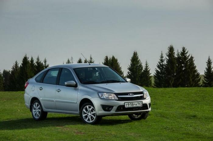 Машина неплохая, но быстро ржавеет. |Фото: new-granta.ru.