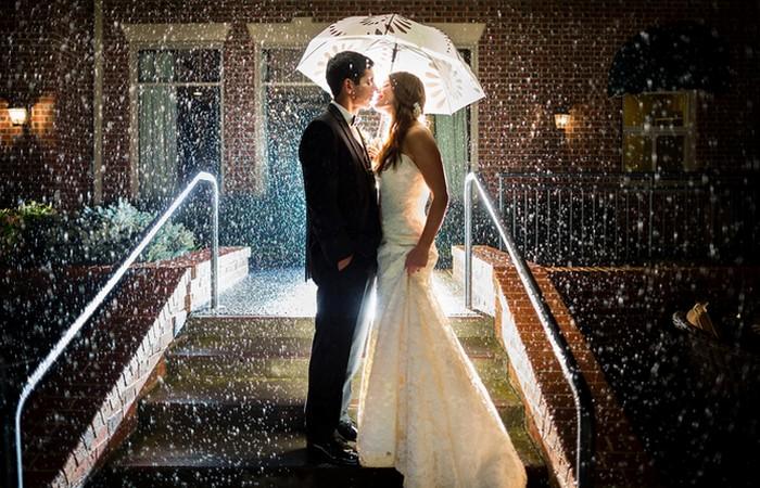 Погода свадьбе по любви не помеха.