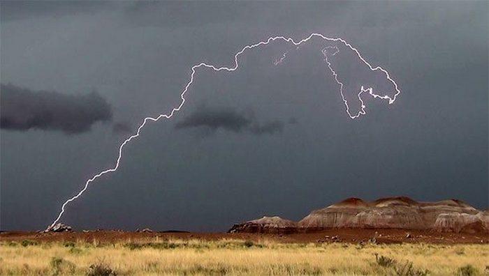Развенчанный миф: молния не ударяет дважды в одно место.