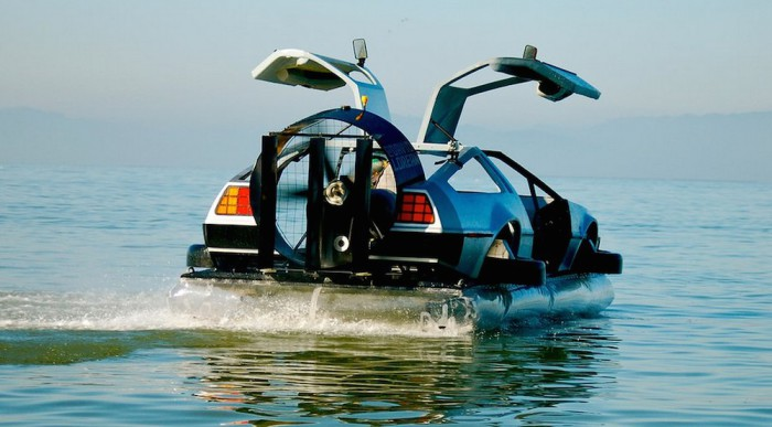 Ховеркрафт - точная копия DeLorean.