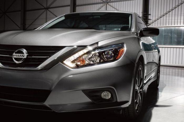 Выглядит Nissan конечно красиво.