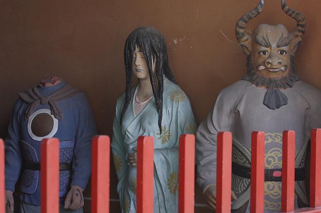 Самый мрачный храм в Пекине.
