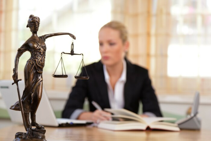 Адвокат нужен всем. | Фото: veved.ru.