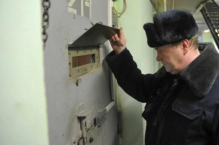 В изолятор временного содержания могут поместить в любом случае. |Фото: dag.kp.ru.