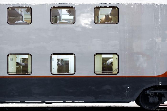 800 человек в одном поезде.