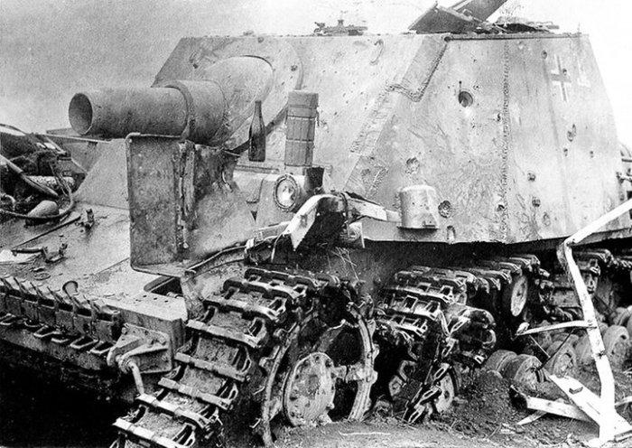 Спорное, но невероятно мощное немецкое орудие.