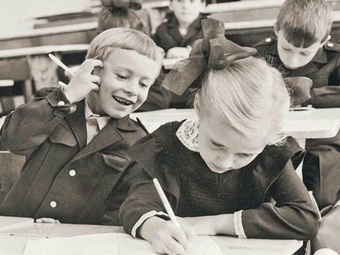 Советская школа была первой степенью создания гражданина с развитым логическим материалистическим мышлением.  Фото: kp.ru.