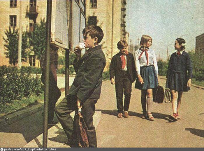 Постепенная деградация школы началась еще в СССР, после Второй мировой войны.  Фото: Twitter.
