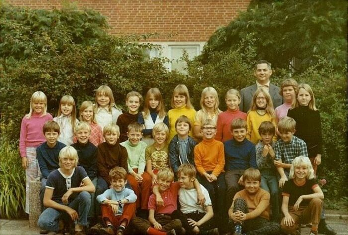 В 1990-е годы школа окончательно утратила воспитательную функцию, а учитель превратился в человека с клеймом неудачника в новом обществе.  Фото: Twitter.