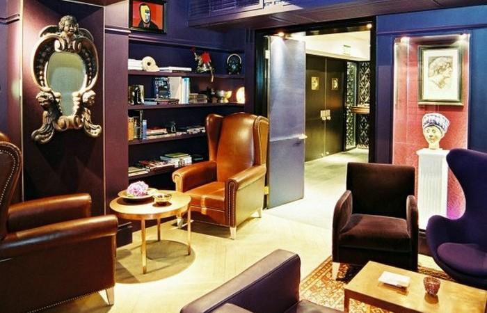 Клуб Kee имеет филиалы в Гонконге и Шанхае.