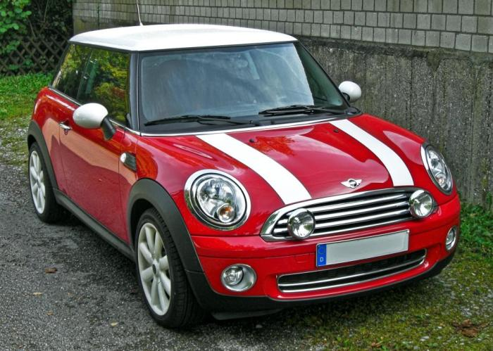 Mini Cooper- нестареющая британская классика.