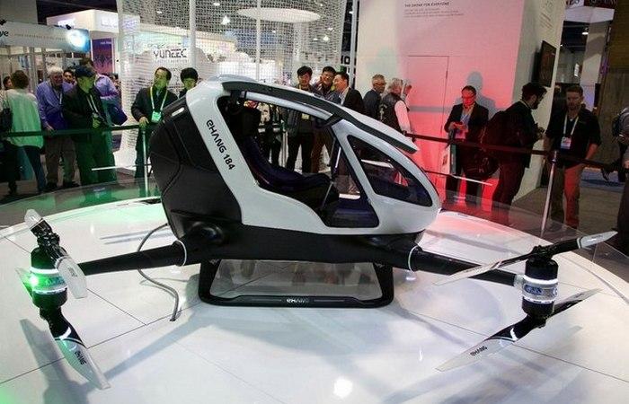 Индивидуальный летательный аппарат Ehang 184 AAV.