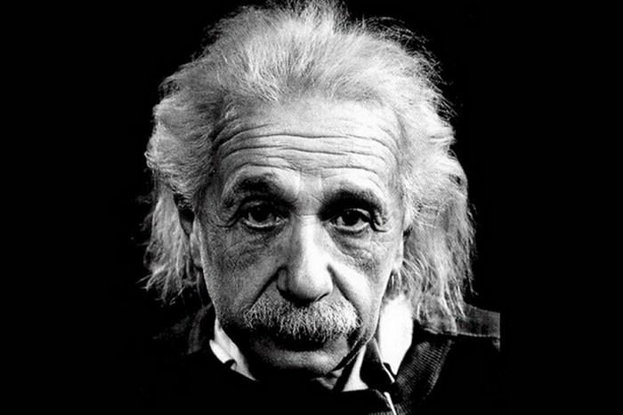 Эйнштейн не разговаривал до 4-х лет.