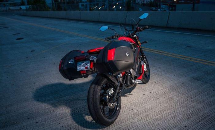 Мотоцикл имеет два режима езды.