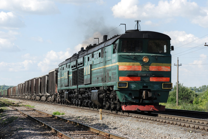 Грузовые локомотивы мощнее пассажирских. |Фото: train-photo.ru.