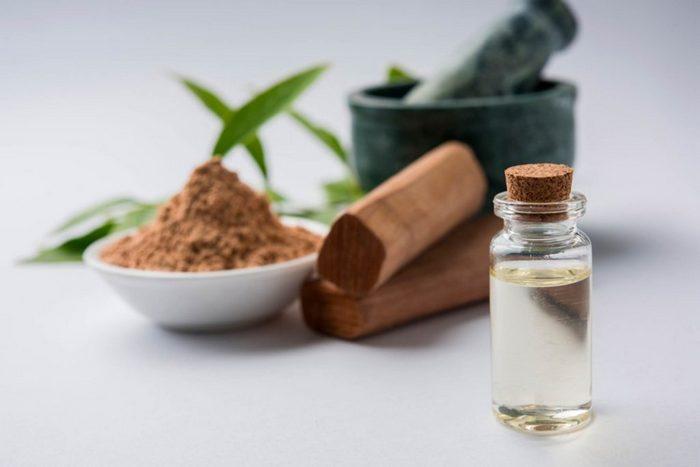 Масло сандалового дерева - прекрасное отхаркивающее средство.