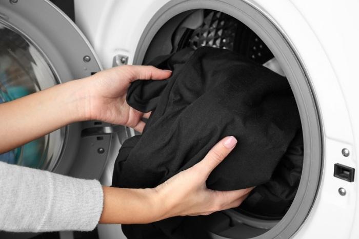 Очень важно правильно стирать. |Фото: shkola-v-blog.ru.