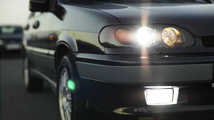 Используются габариты и дальний свет. |Фото: bobrlife.by.