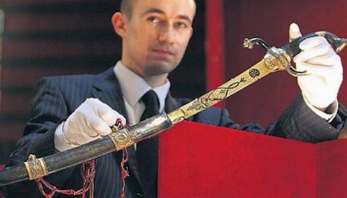 Инкрустированная золотом сабля Наполеона Бонапарта.