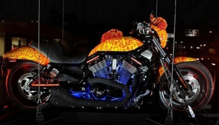 Байк Harley-Davidson.