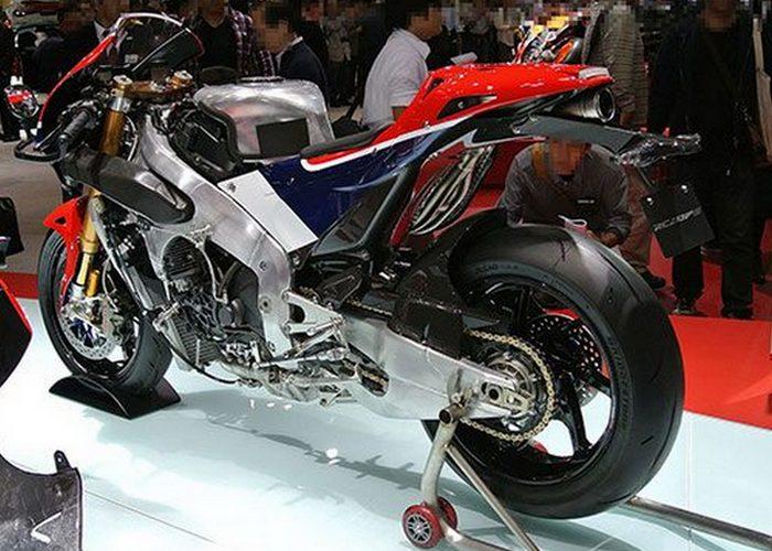 Роскошный байк Honda 2RC13V-S.