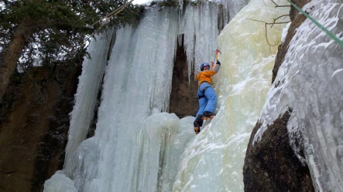 Восхождение по замерзшему водопаду - Британская Колумбия, Канада