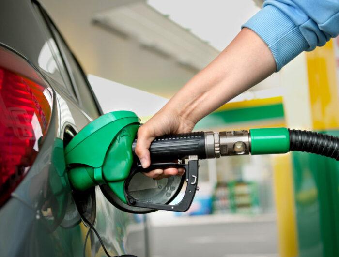 Своевременно заправляйте машину. |Фото: internetsite.ru.