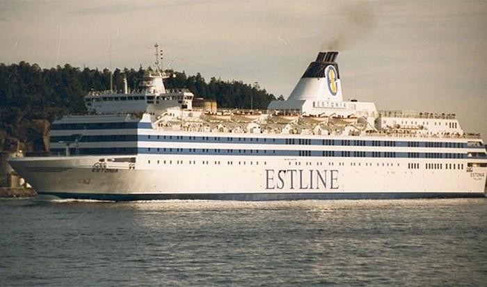 Паром МС Эстония.