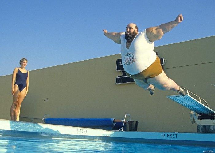 Лженаучный факт: нельзя плавать в течение 30 минут после еды.