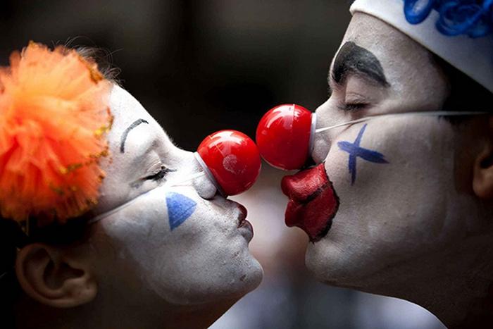самые знаменитые сайты знакомств