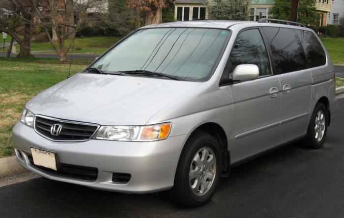 Honda Odyssey выглядит скромно.