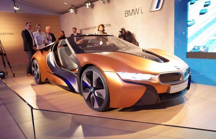 BMW i8 Spyder и другие невероятные автомобили.
