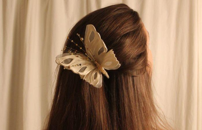 Клипсы в виде бабочек для волос.