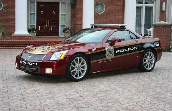 Cadillac XLR-V.